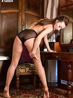 Sophia is demonstrating how women trim their pussies in her vintage nylons!